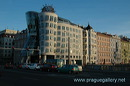 prague-dancing-house-2